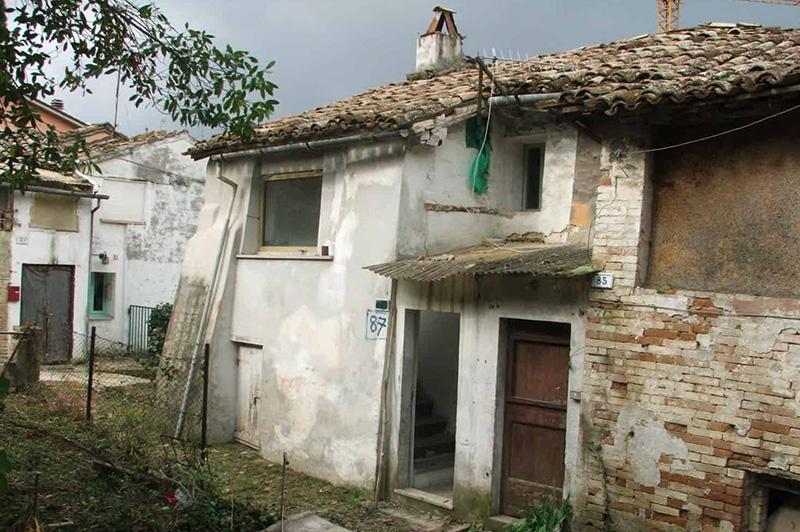 immagini villa ficana prima del restauro